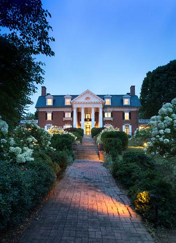 Pennsylvania「Facade of grand mansion」:スマホ壁紙(5)