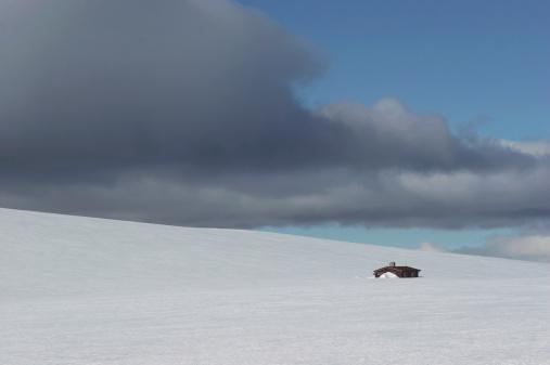 Chalet「Norway, Rondane National Park, Snow covered landscape」:スマホ壁紙(11)