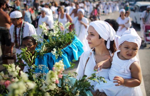 New Year「New Year's Tradition Honors Sea Goddess Iemanja」:写真・画像(7)[壁紙.com]