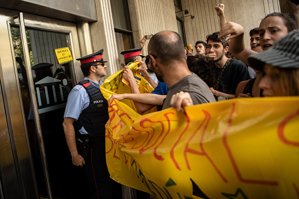 Catalonia「Catalonia Marks The First Anniversary Of The Independence Referendum」:写真・画像(16)[壁紙.com]