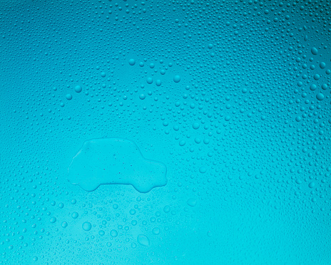 Purity「Car shape on blue background with condensation」:スマホ壁紙(1)