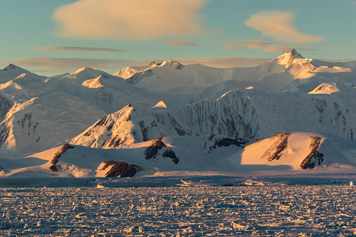 Admiralty Mountains「Admiralty Mountains seen from Cape Roget, Ross Sea」:スマホ壁紙(1)