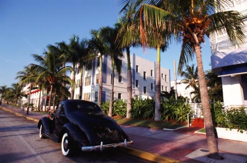 Miami Beach「USA, Florida, Miami, Car on road」:スマホ壁紙(3)