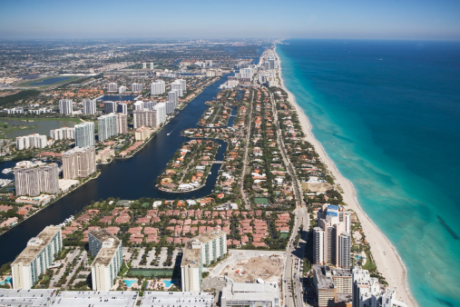 Miami Beach「USA, Florida, Miami cityscape as seen from air」:スマホ壁紙(5)