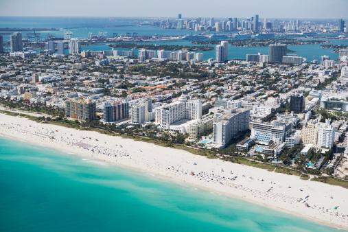 Miami Beach「USA, Florida, Miami, Cityscape with beach」:スマホ壁紙(5)