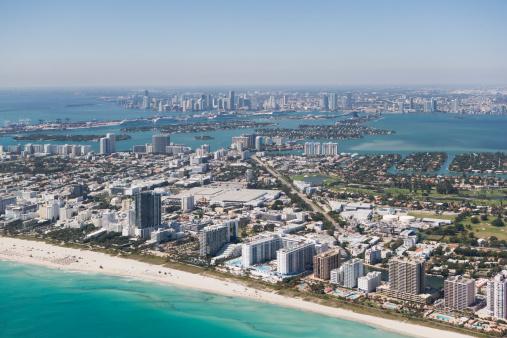 Miami Beach「USA, Florida, Miami, Cityscape with beach」:スマホ壁紙(17)