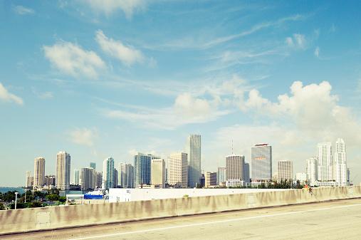 Miami「USA, Florida, Miami, skyscrapers of downtown Miami」:スマホ壁紙(10)
