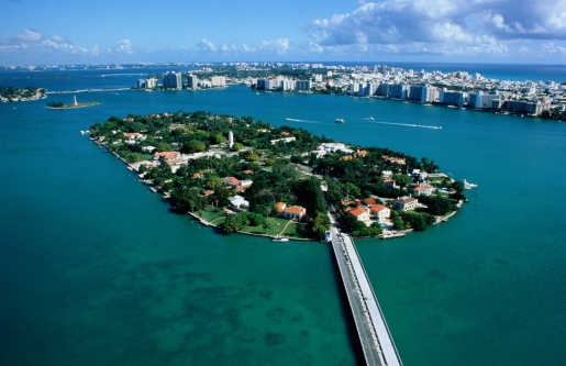 Miami「USA, Florida, Miami, Star Island and city, aerial view」:スマホ壁紙(2)