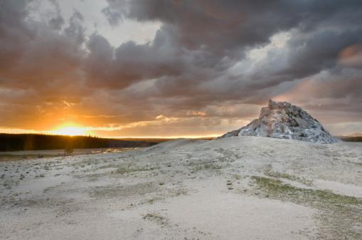 White Dome Geyser「White Dome Geyser, Yellowstone National Park」:スマホ壁紙(7)
