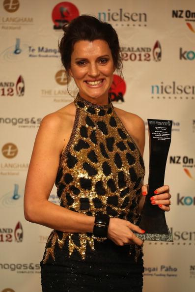 Cuff Bracelet「2012 New Zealand Television Awards」:写真・画像(6)[壁紙.com]