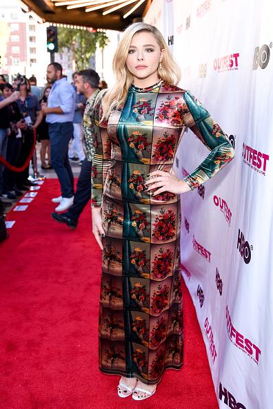 "Satin Dress「2018 Outfest Los Angeles LGBT Film Festival Closing Night Gala Of ""The Miseducation Of Cameron Post"" - Red Carpet」:写真・画像(9)[壁紙.com]"