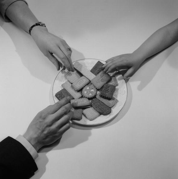 Hand「Assorted Biscuits」:写真・画像(17)[壁紙.com]