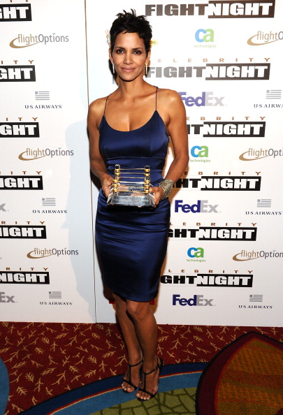 Form Fitted Dress「Muhammad Ali's Celebrity Fight Night XVII - Inside」:写真・画像(4)[壁紙.com]