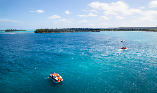 French Overseas Territory「Tender boats returning to the cruise ship. from the Isle of Pines New Caledonia」:スマホ壁紙(6)