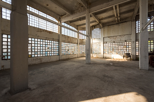 ������「Empty industrial building, Bhering Factory, Santo Cristo, Rio de Janeiro, Brazil」:スマホ壁紙(4)