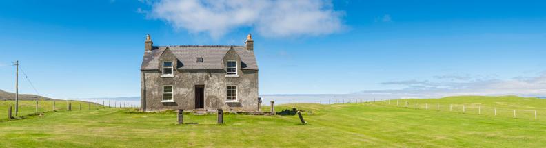 Scotland「Country cottage in vibrant green fields under blue summer skies」:スマホ壁紙(11)