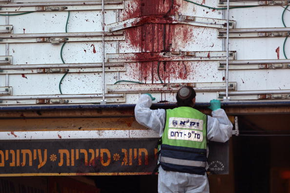Suicide Bombing「Suicide Bomber Hits Southern Israeli Town Of Dimona」:写真・画像(14)[壁紙.com]