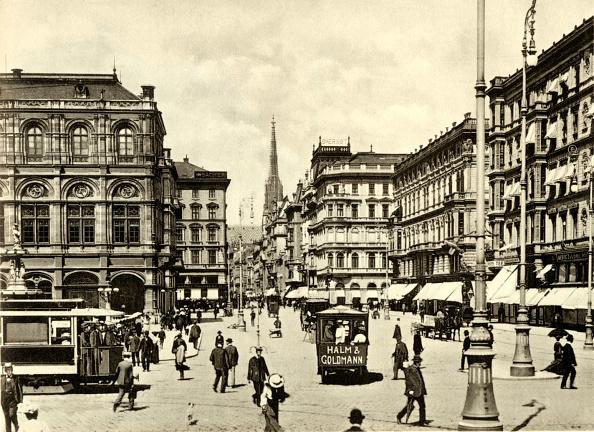 Culture Club「Kärntnerstrasse in Vienna, at the turn of the century. Street scene.」:写真・画像(6)[壁紙.com]