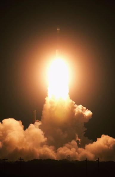 Hubble Space Telescope「Boeing Delta II SIRTF Mission」:写真・画像(11)[壁紙.com]