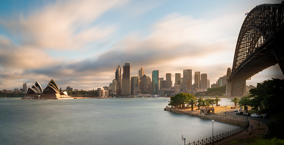 Opera House「Australia, New South Wales, Sydney, Skyline with Sydney Opera House and Sydney Harbour Bridge」:スマホ壁紙(19)