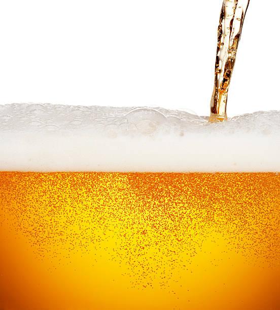 Pouring Beer:スマホ壁紙(壁紙.com)