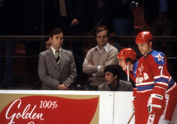 Bench「1979 Super Series:  CSKA v New York Rangers」:写真・画像(8)[壁紙.com]