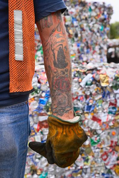 Limb - Body Part「Heavily tattoed man's arm and recycling」:写真・画像(15)[壁紙.com]
