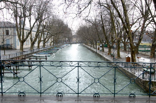 Boulevard「Winter view of canal in Annecy france」:スマホ壁紙(4)