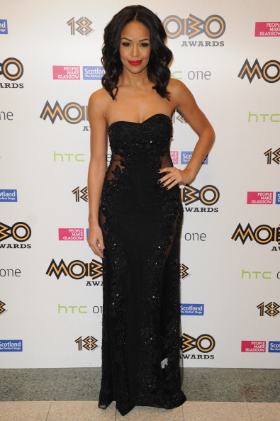 Embroidery「The 18th Annual MOBO Awards - Roaming Arrivals」:写真・画像(14)[壁紙.com]
