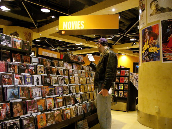 映画・DVD「Book Sales Falling, Study Shows」:写真・画像(0)[壁紙.com]