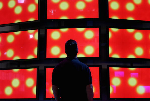 Television Set「Workers Prepare Consumer Electronics Show For Opening」:写真・画像(19)[壁紙.com]
