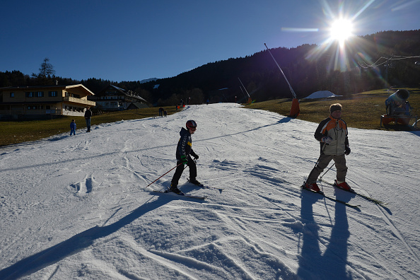 Skiing「Warm Temperatures Persist In Central Europe」:写真・画像(0)[壁紙.com]