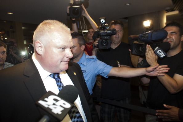 Small Office「Toronto Mayor Rob Ford Returns To Work After Rehab」:写真・画像(14)[壁紙.com]