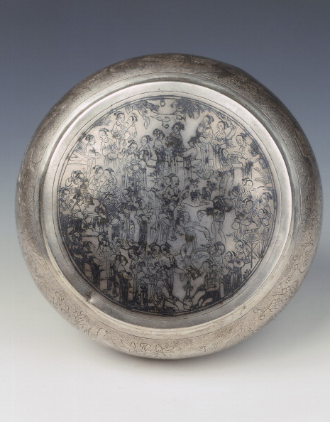 Chrysanthemum「Chased silver covered box, Southern Song-Yuan dynasty, China, 13th century.」:写真・画像(6)[壁紙.com]