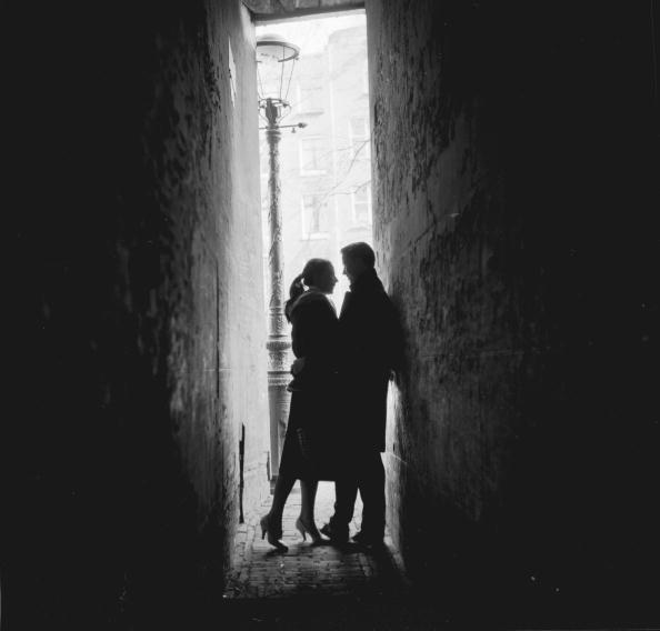 Couple - Relationship「Alley Couple」:写真・画像(17)[壁紙.com]