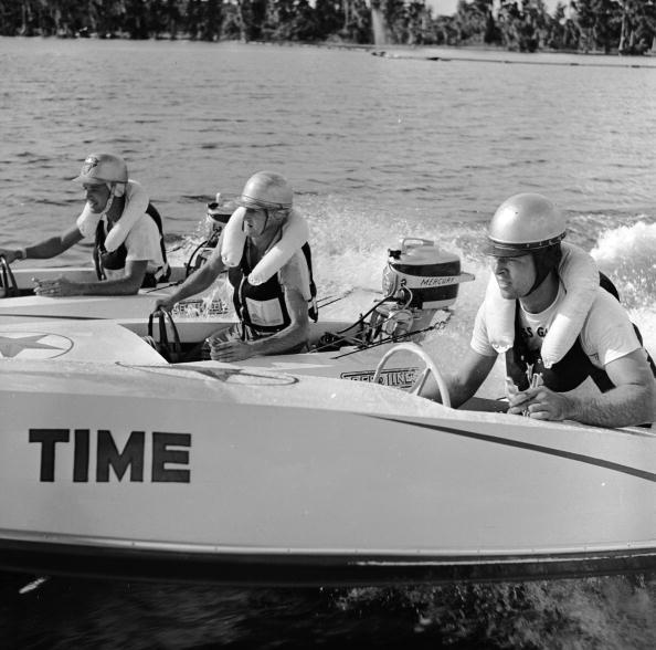 George Pickow「Speedboat Racing」:写真・画像(13)[壁紙.com]