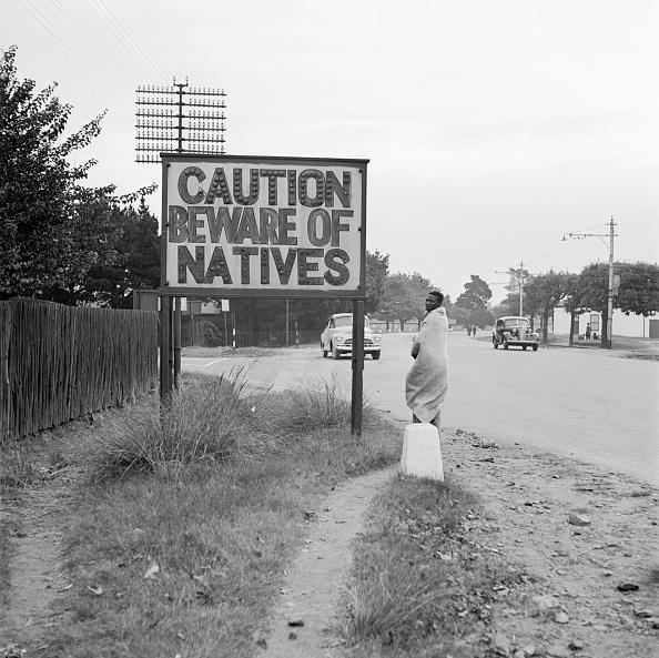 South Africa「Racist Road Sign」:写真・画像(7)[壁紙.com]