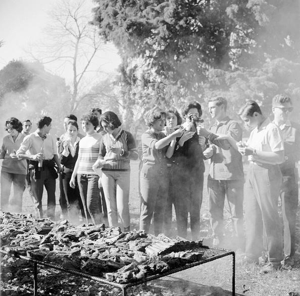 Argentinian Ethnicity「Jewish Barbecue」:写真・画像(17)[壁紙.com]