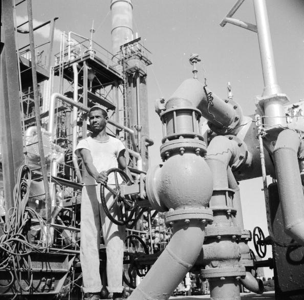 Oil Industry「Oil Refinery」:写真・画像(14)[壁紙.com]