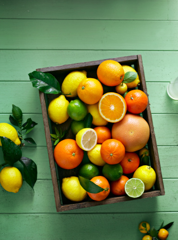 Orange - Fruit「citrus fruits overhead in tray」:スマホ壁紙(8)