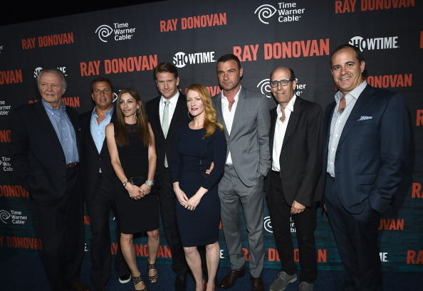"""Copy Space「Season 2 Premiere Of Showtime's """"Ray Donovan"""" Presented By Time Warner Cable - Red Carpet」:写真・画像(19)[壁紙.com]"""