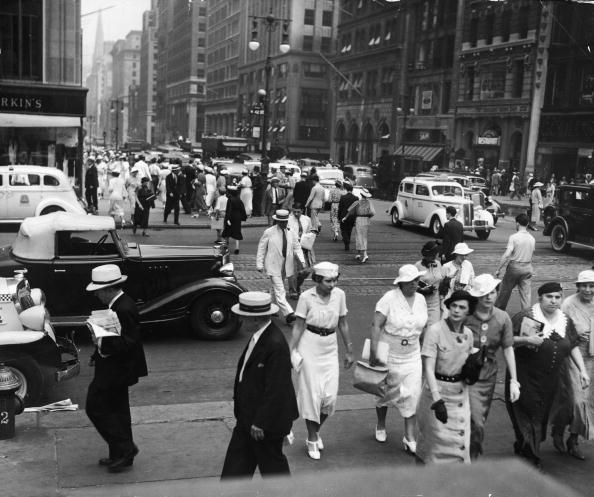1930-1939「Intersection Of 42nd St. & 5th Ave.」:写真・画像(13)[壁紙.com]