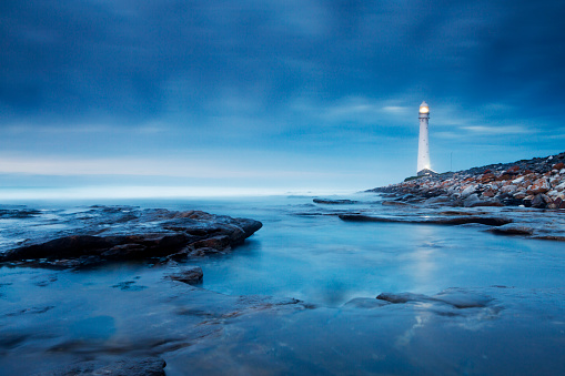 Water's Edge「Blue Evening Lighthouse Landscape」:スマホ壁紙(15)