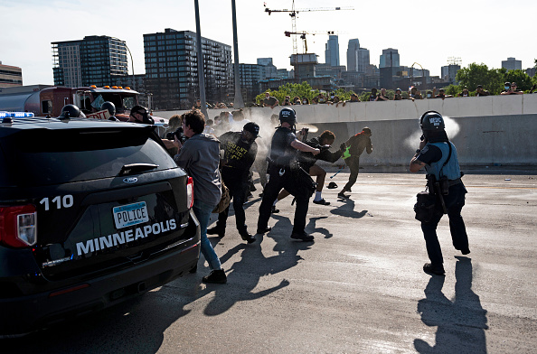 Spray「Protests Continue Over Death Of George Floyd, Killed In Police Custody In Minneapolis」:写真・画像(13)[壁紙.com]