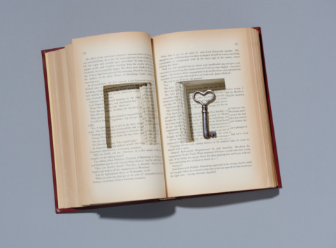 Digital Composite「Book with key in cut out compartment.」:スマホ壁紙(16)