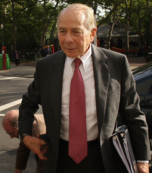 Prosecution「Ex-AIG Chief Executive Goes On Trial For Plundering Compensation Trust」:写真・画像(4)[壁紙.com]