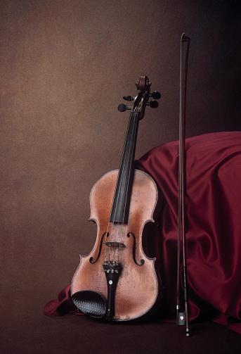 Violin「Old violin resting,」:スマホ壁紙(5)
