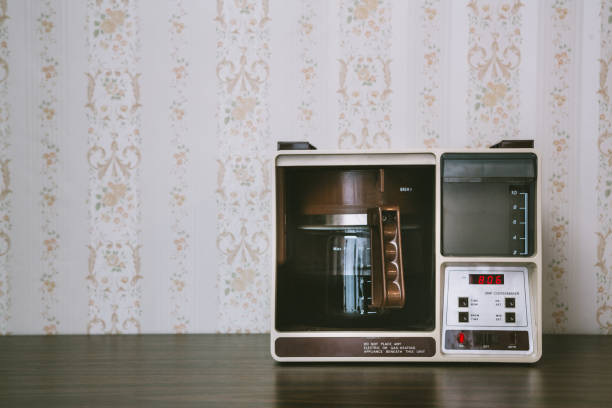 Coffee Maker in Retro Style:スマホ壁紙(壁紙.com)