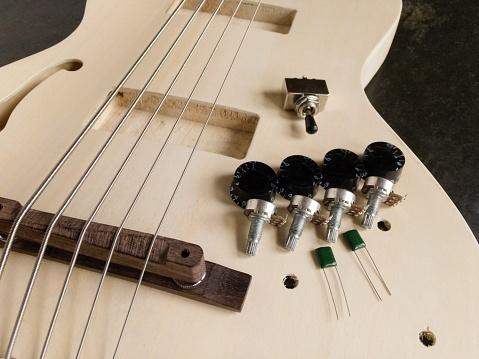Bass Instrument「Building a five string electric bass at home」:スマホ壁紙(11)