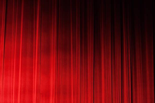 Sidelit closed ruched red velvet theatre drapes:スマホ壁紙(壁紙.com)